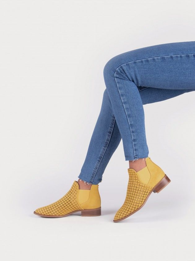 Flat Ankle-Boot